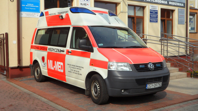 Ambulans MIL-MED